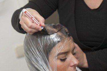 Europees haar- Eerst wordt er een mal van het hoofd gemaakt